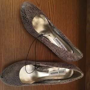 Steve Madden brown and cream